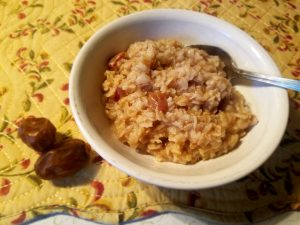 Cinnamon Oatmeal with Dates